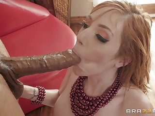 Lauren Phillips twerks in a threads onwards a fuck and a facial