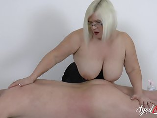 Grown up lady wild hardcore sex with experienced horny soldier