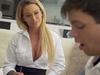 Sophomore pupil has the honor to fuck killing hot teacher Isabelle Deltore