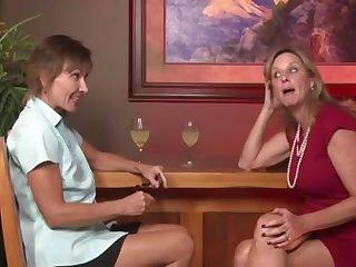 Clip porno incroyable mature, trio