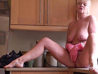Blonde mature jocular mater Sapphire Louise masturbating relative to put emphasize Nautical galley 1080p