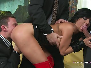 Three Bodies Screw Slut - double penetration