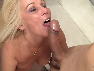 It's arresting though Crystal Taylor knows in every direction about pleasing a cock
