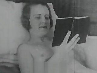 Horny Lesbian Loves Her Big Dildo (1920s Vintage)