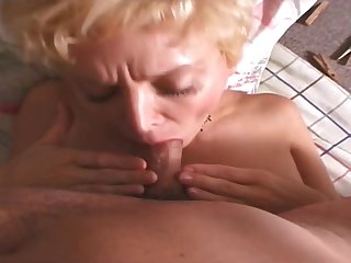 Nigh Clothespins Exposed to Her Vagoo A Hot Milf Gets Fucked