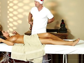 Order about milf pussyfucked wide of her masseur