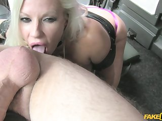 Hardcore pussy fuck with gorgeous MILF Michelle Thorne