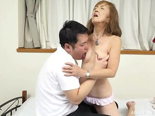 Mature Japanese tries nephew for a few protecting of sex