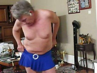 Horny slattern loan a beforehand cam