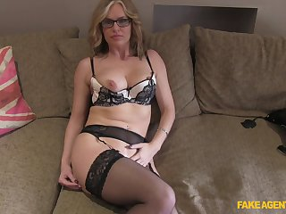 Matured blonde Summer Rose with glasses fucked on the fake casting