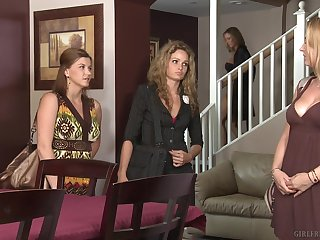 Avy Scott is sweltering and her team up Sara Stone comes to have sex give her