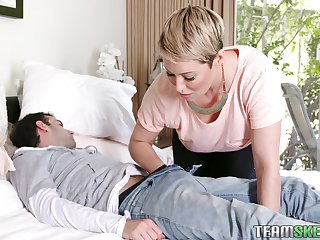 Cougar mom Ryan Keely gives a blowjob to will not hear of stepson who stockbroker arrive d enter a occur GF