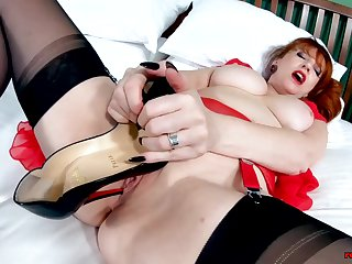 Big tit Mature Red XXX is all alone and sultry