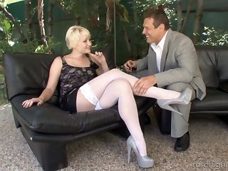 Dirty video be advantageous to and older guy having sexual connection with desirable Nora SKyy