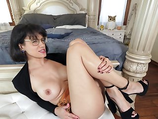 Seductive wife Penny Barber drops their way panties for wild fucking