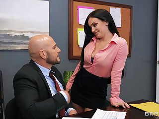 Moaning secretary ends shafting in dirty threesome