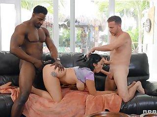 Interracial threesome Mistaken Doggy Way in - pitch-dark mammy Nadia White, Tony Rubino, Jax Slayher part 02