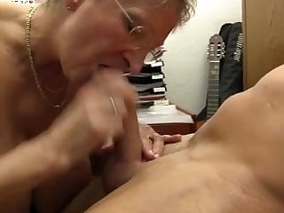 XXX OMAS - Dirty Germany granny takes dick at the rendezvous