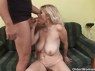 Blow your saddle with on mom's face