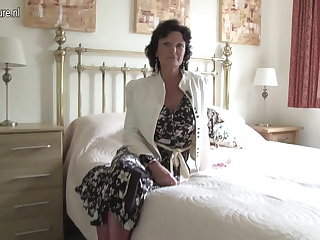 Hot grandma slut and her age-old cunt